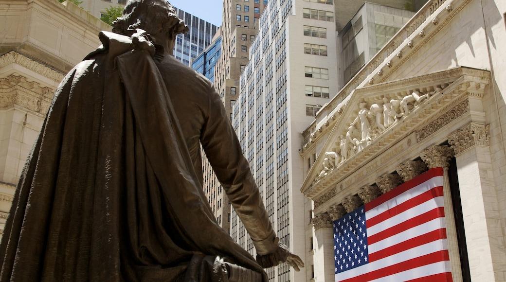 Wall Street - Financial District das einen zentrales Geschäftsviertel, Stadt und Statue oder Skulptur