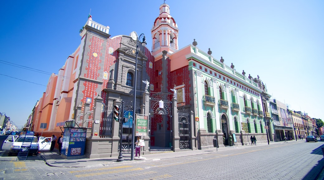 Puebla which includes street scenes and a city