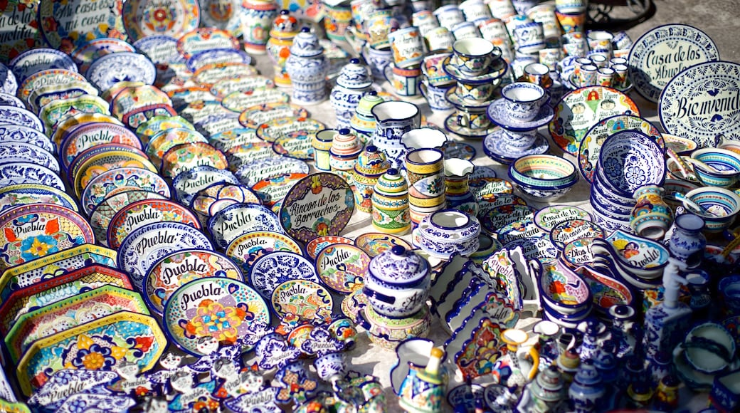 Puebla featuring shopping and art
