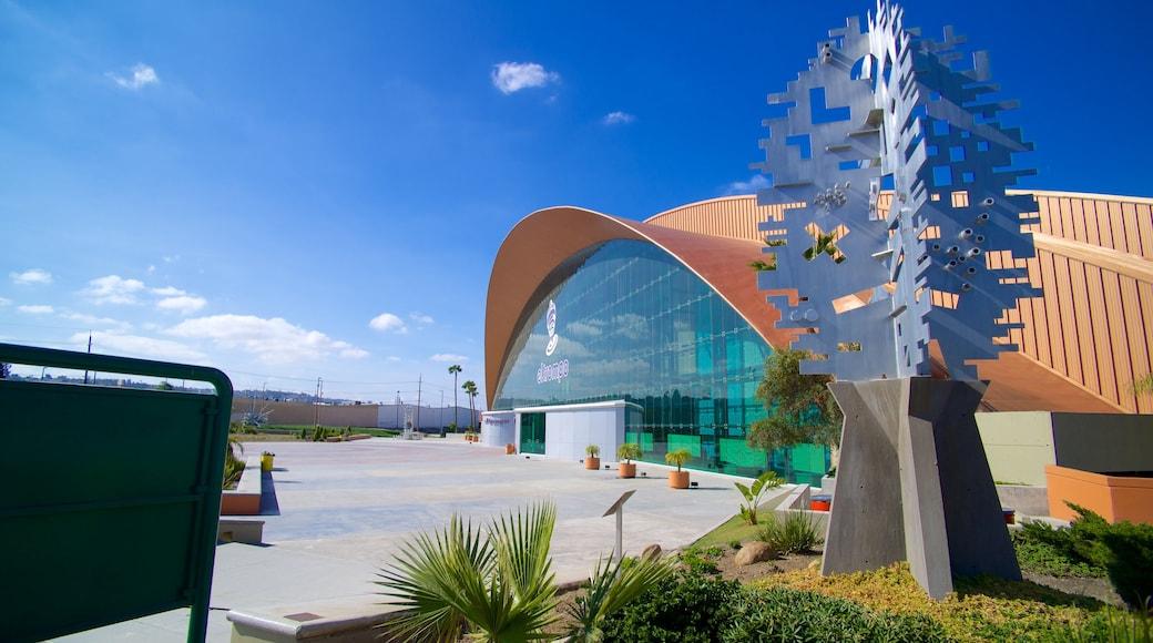 Museo interactivo El Trompo Tijuana ofreciendo arte al aire libre y escenas urbanas