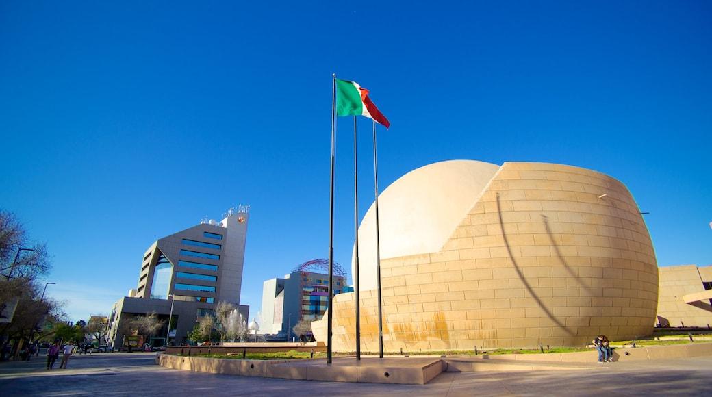 Centro Cultural Tijuana que incluye escenas urbanas y arquitectura moderna