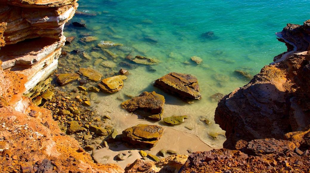 Gantheaume Point showing landscape views and rocky coastline