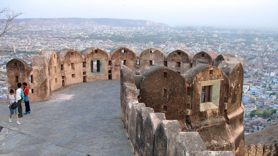 Jaipur showing building ruins, landscape views and views
