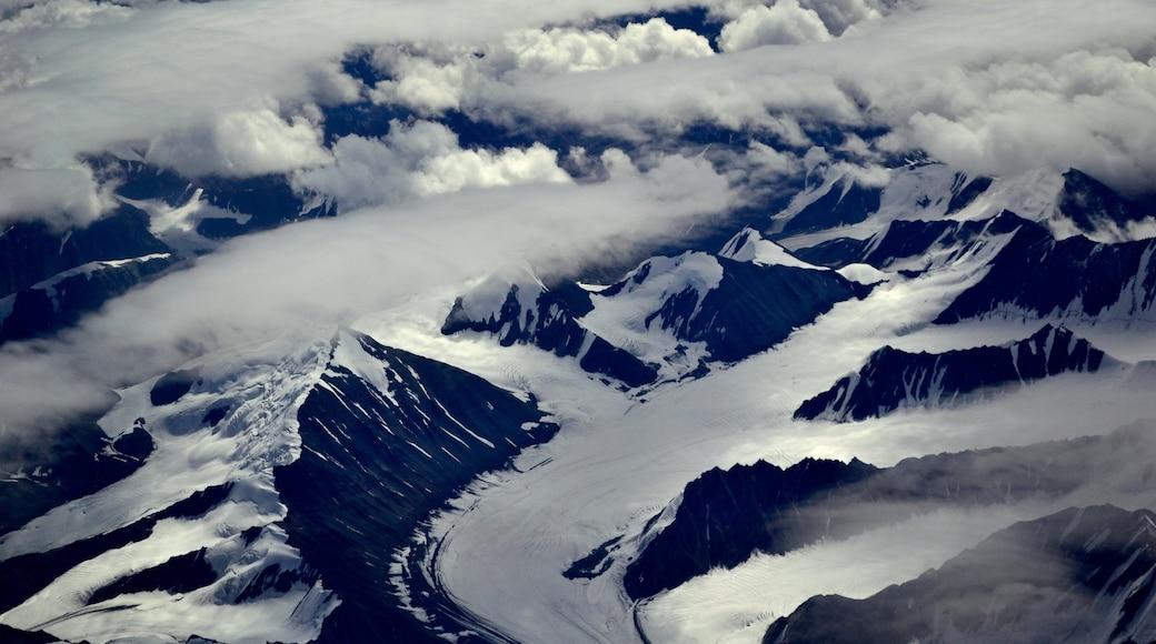 Leh welches beinhaltet Berge und Landschaften
