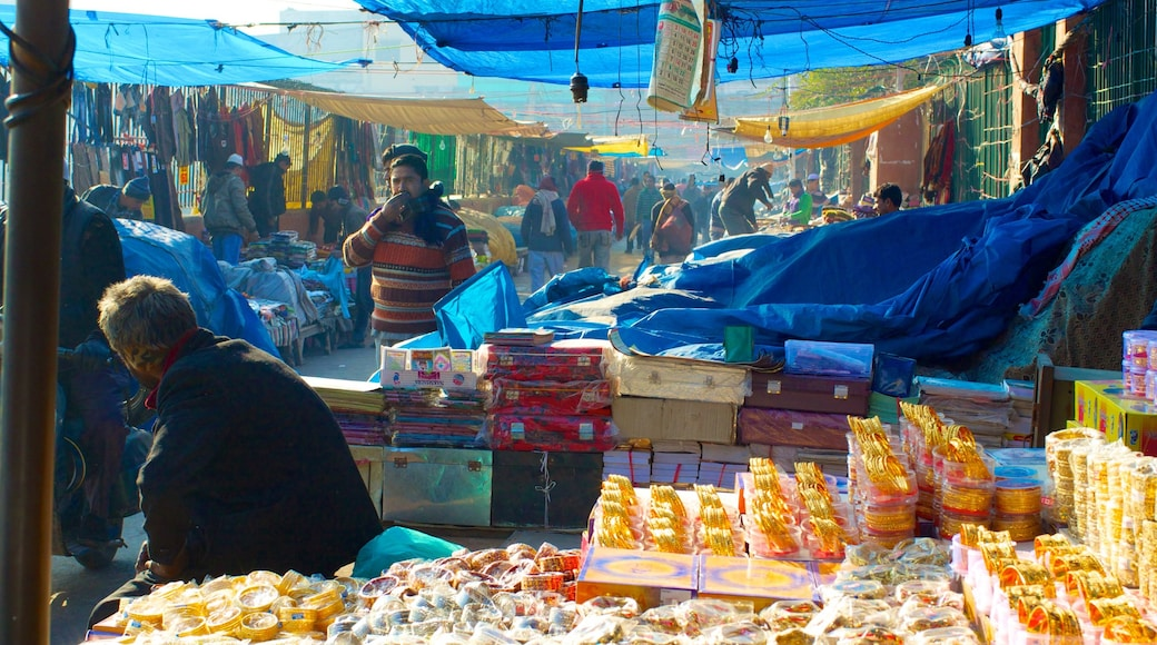 Chandni Chowk showing street scenes and markets as well as a small group of people
