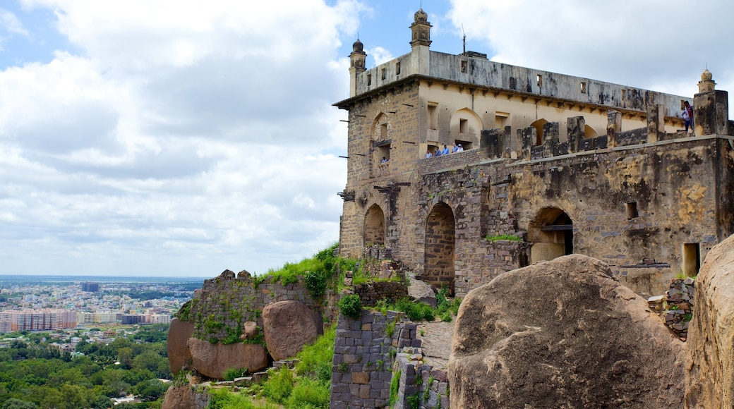 Golconda Fort featuring chateau or palace and heritage architecture