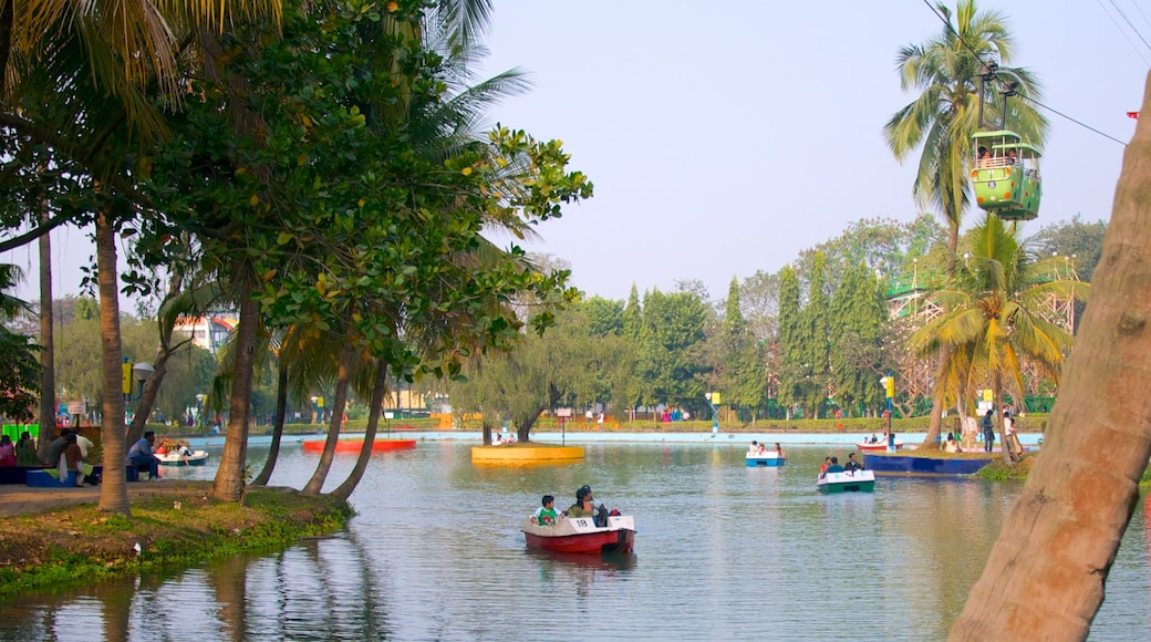 Nicco Park showing a lake or waterhole, boating and a park