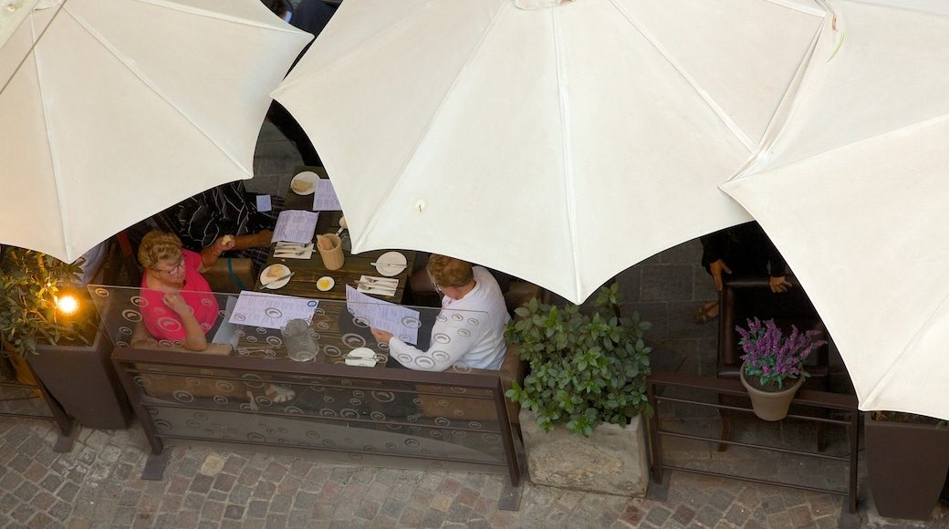 Lastarria showing café scenes, dining out and outdoor eating