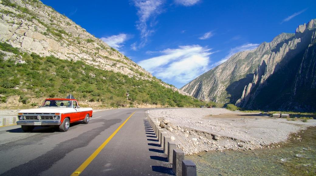 Canon de la Huasteca ofreciendo turismo