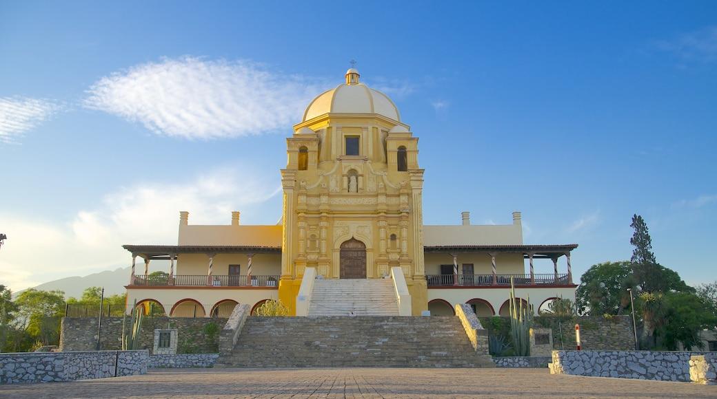 Museo del Obispado ofreciendo escenas urbanas