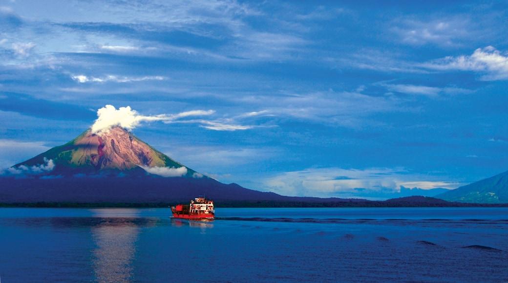 Ometepe qui includes vues littorales et montagnes
