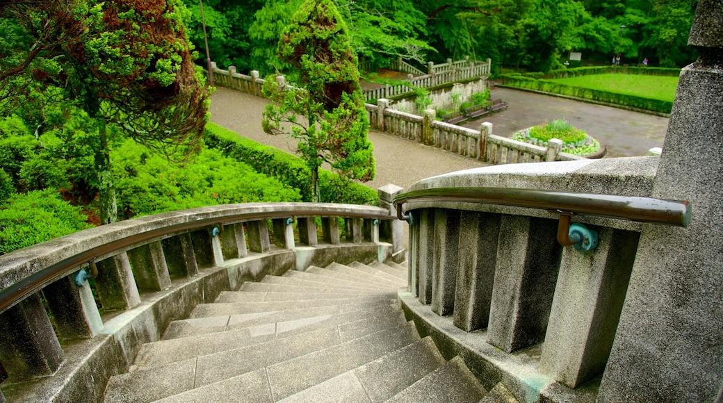 Naritasan-parken fasiliteter samt park