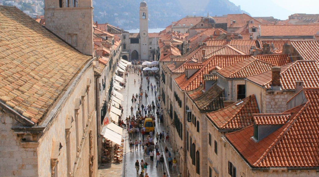 Croatia showing heritage architecture, a city and street scenes