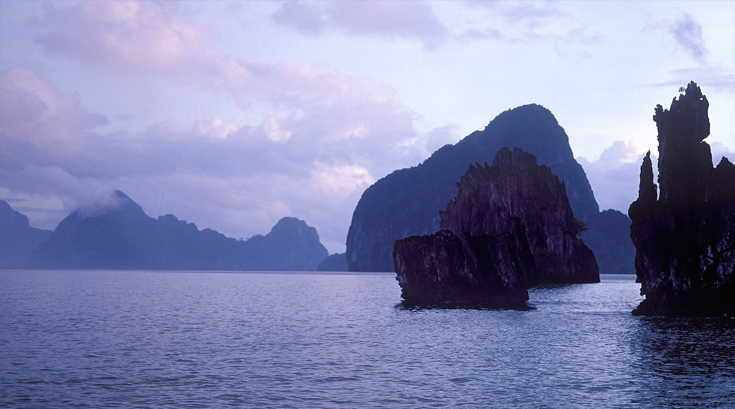Palawan showing general coastal views, mountains and island images