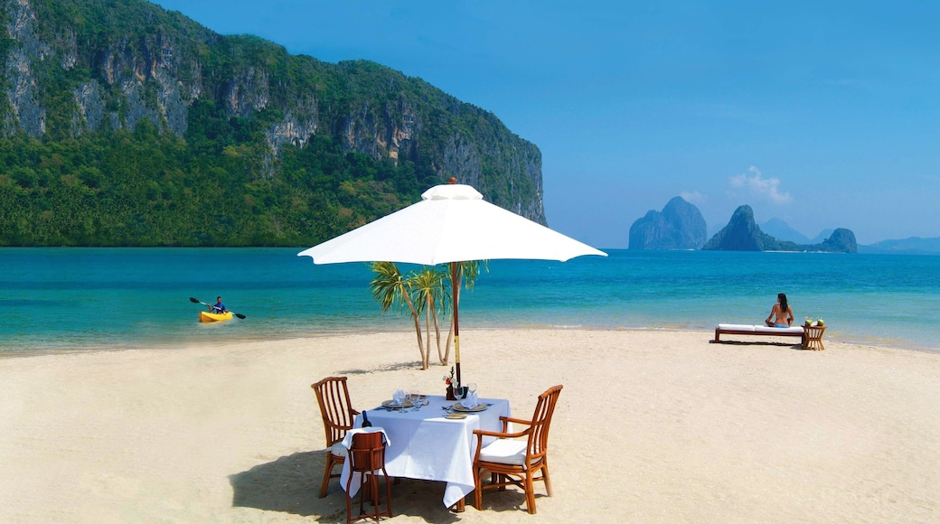 Palawan showing kayaking or canoeing, tropical scenes and landscape views