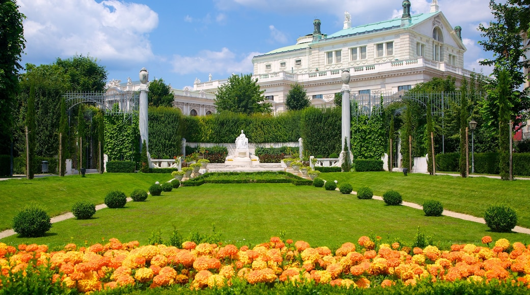 People\'s Garden which includes chateau or palace, a park and heritage architecture