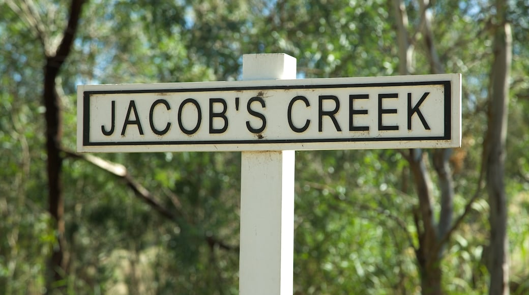 Jacob\'s Creek Vineyards which includes signage