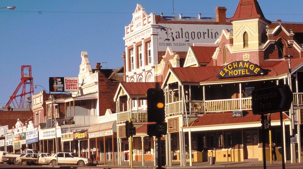 Kalgoorlie - Boulder which includes a hotel, street scenes and heritage architecture