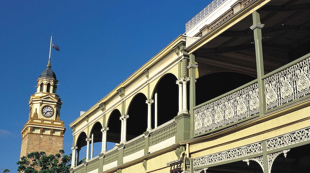 Kalgoorlie - Boulder which includes a city and heritage architecture