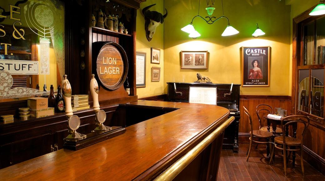 SAB - World of Beer qui includes vues intérieures et bar