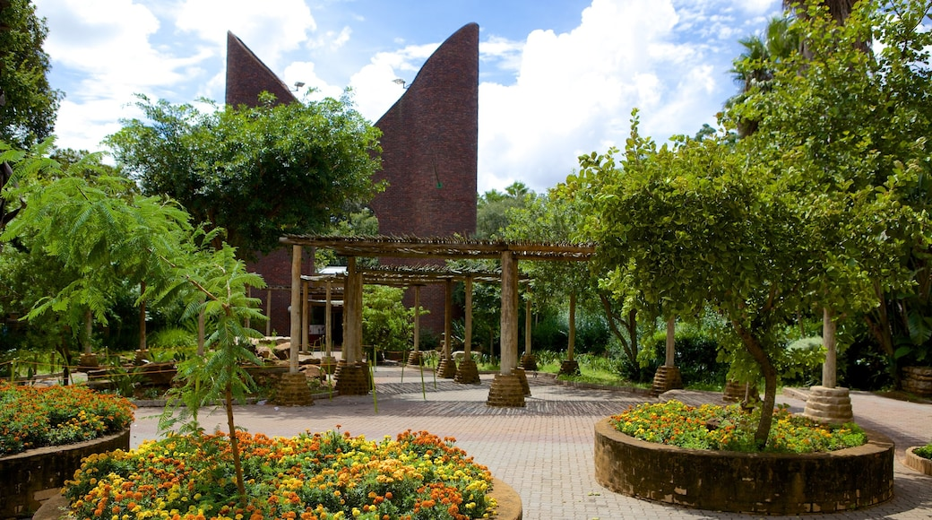 National Zoological Gardens of South Africa showing a garden