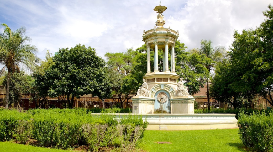 National Zoological Gardens of South Africa showing a garden and a monument