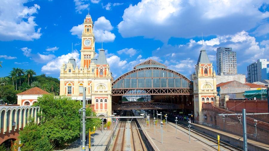 Itajai presenterar järnvägsobjekt och en stad