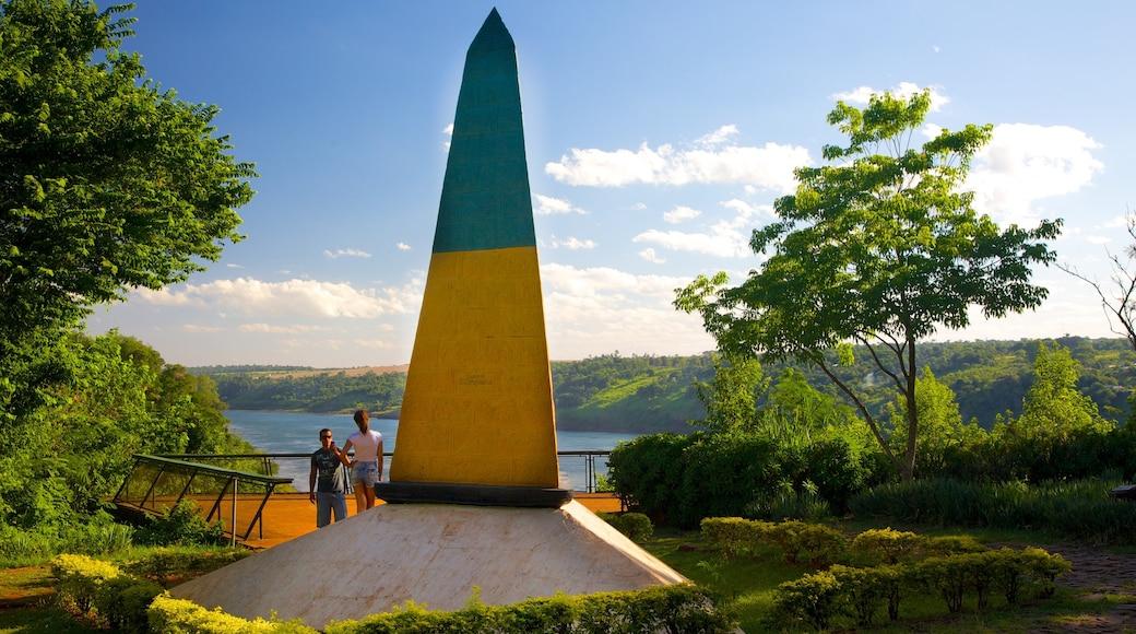 Hito Tres Fronteras mostrando un monumento
