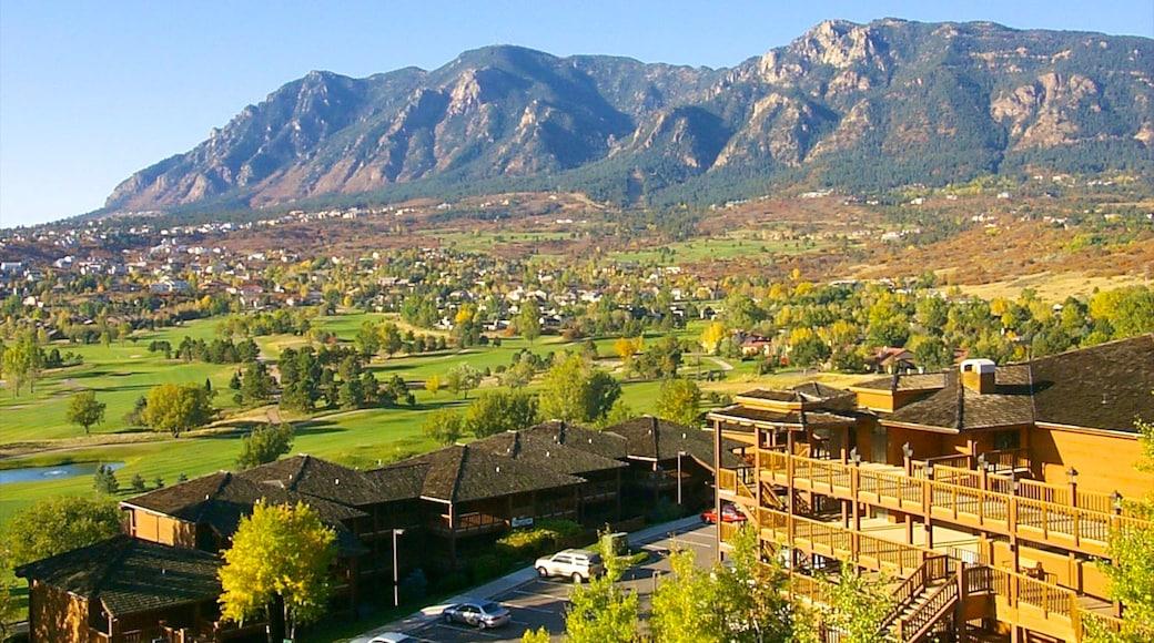 Cheyenne Mountain das einen Kleinstadt oder Dorf