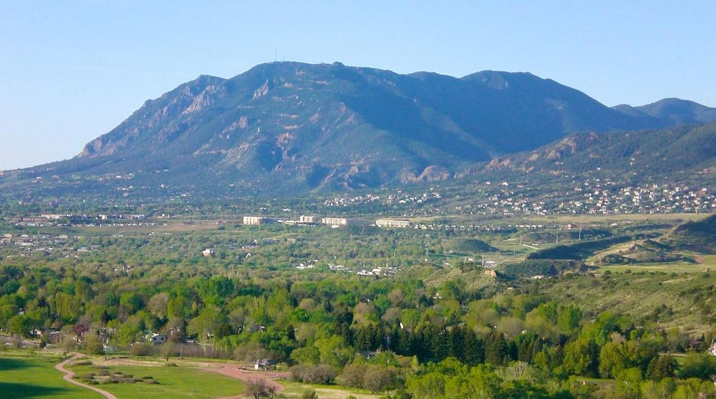 Cheyenne Mountain mit einem Berge
