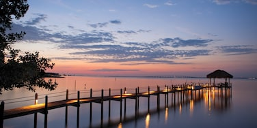 Fort Walton Beach - Destin showing a sunset and general coastal views