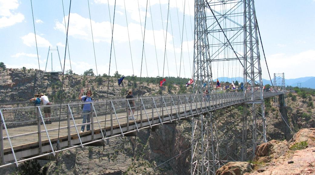 콜로라도 스프링스 을 보여주는 다리