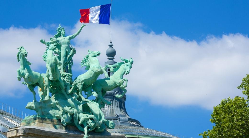 大皇宮 设有 雕像或雕塑