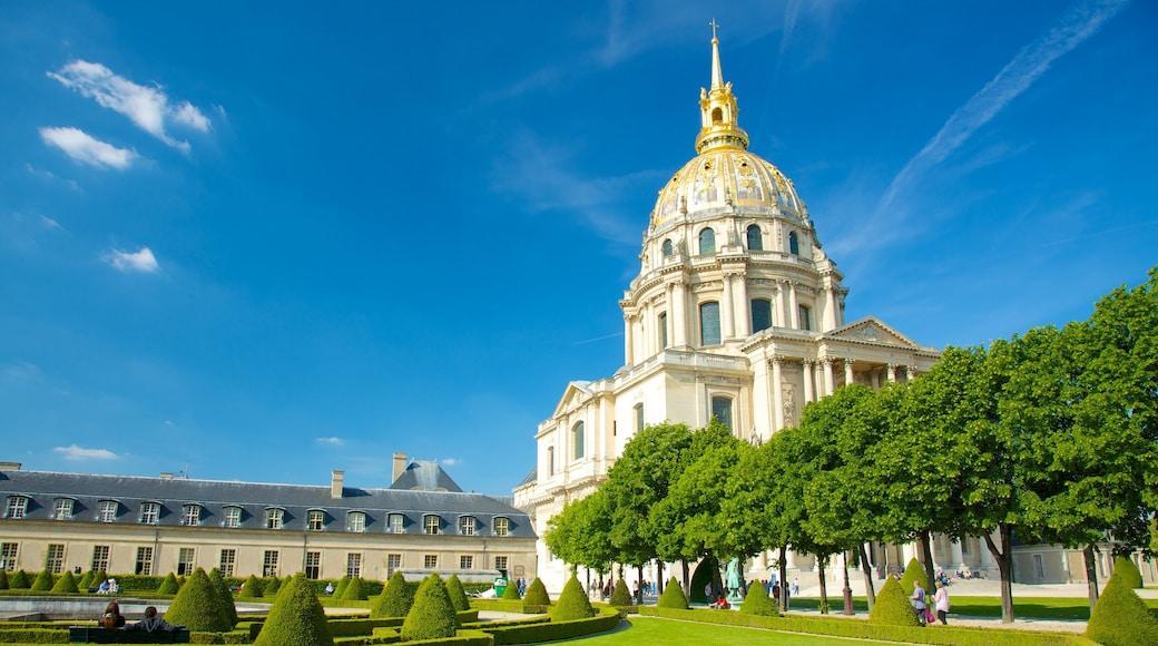 Hôtel des Invalides qui includes parc, église ou cathédrale et patrimoine architectural