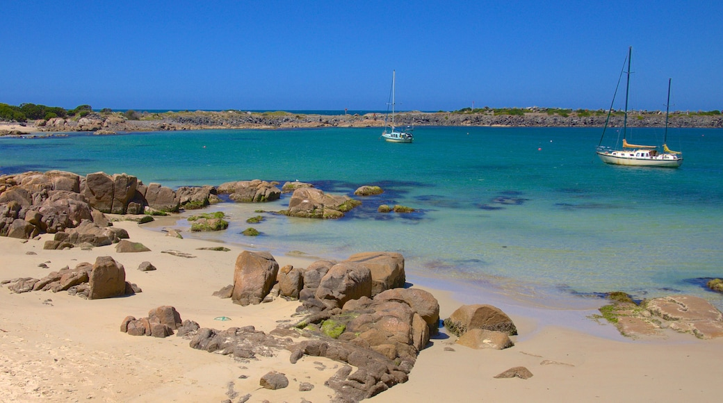 King Island featuring landscape views, boating and a beach
