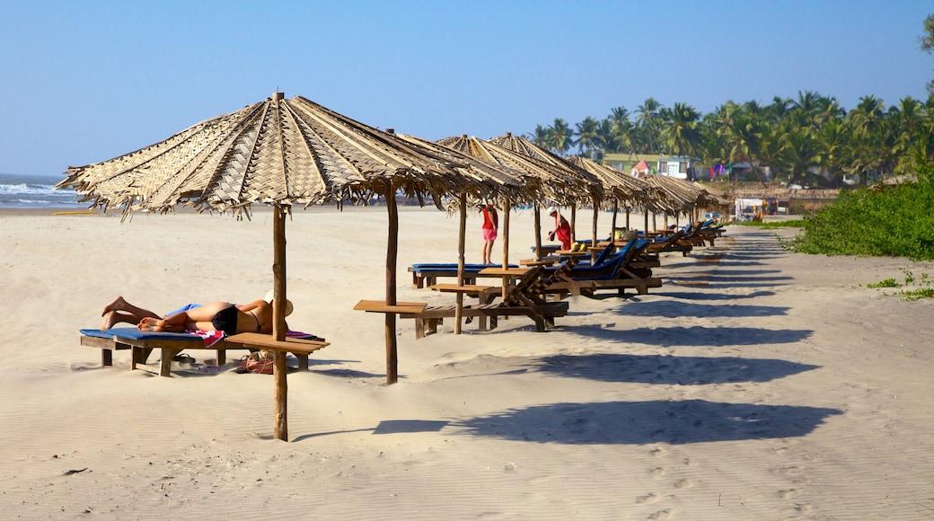 Ashvem Beach showing a beach
