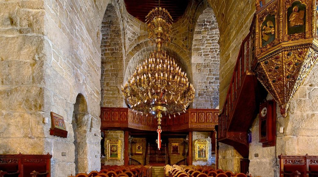 Larnaca montrant patrimoine architectural, aspects religieux et vues intérieures