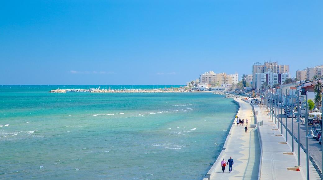 Larnaca montrant vues littorales