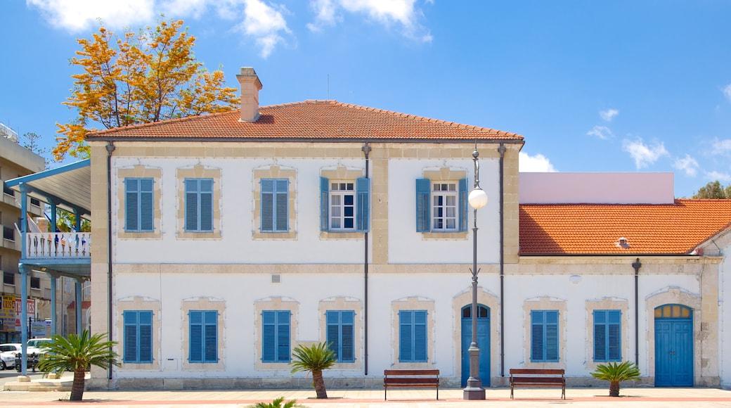 Place de l\'Europe qui includes maison, patrimoine architectural et scènes de rue
