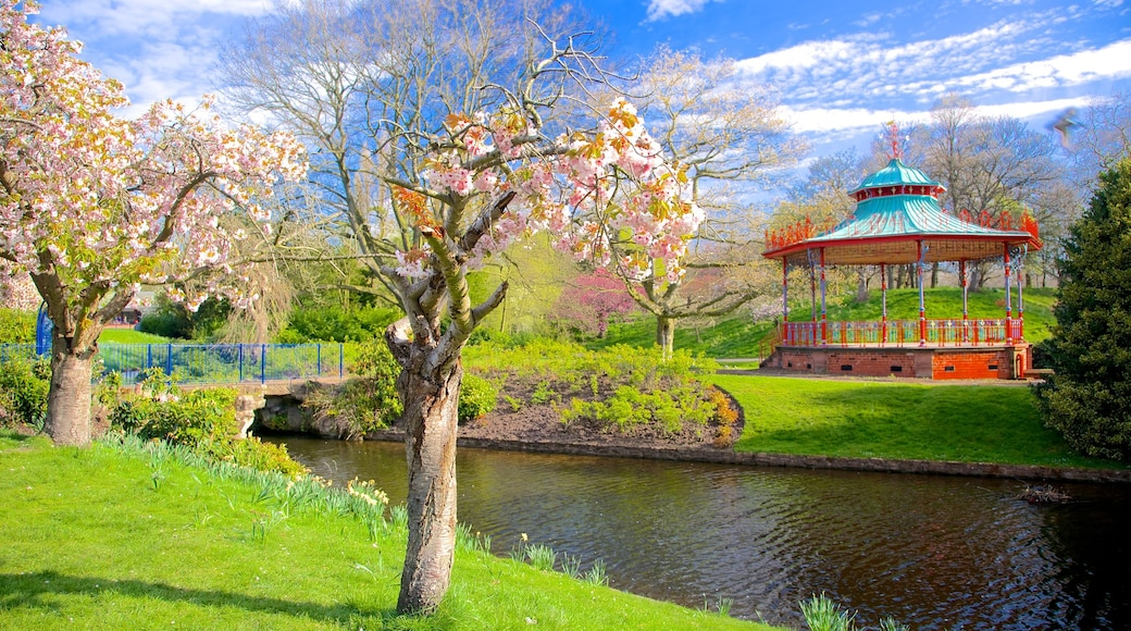 Sefton Park featuring a garden, landscape views and a lake or waterhole