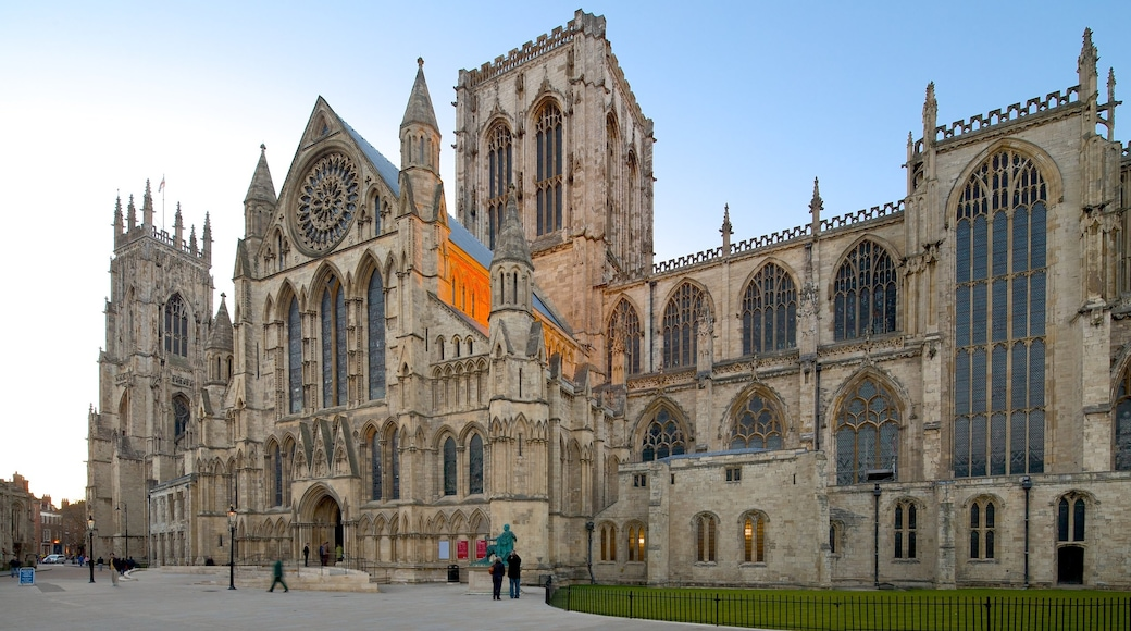 York Minster featuring a square or plaza, heritage architecture and a church or cathedral