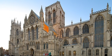 York Minster featuring heritage architecture, religious elements and a square or plaza