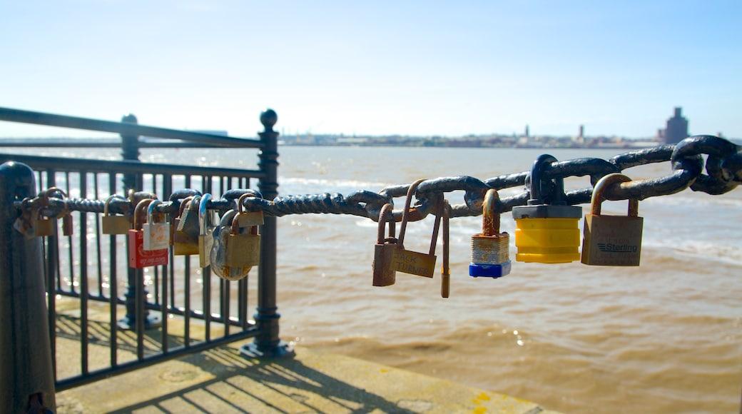 Albert Dock som inkluderer kyst