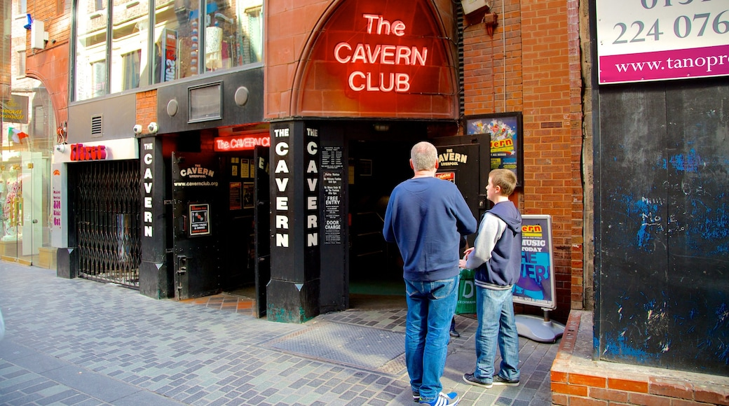 Cavern Club which includes street scenes