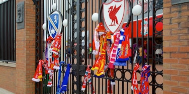 Anfield Road Stadium ofreciendo señalización