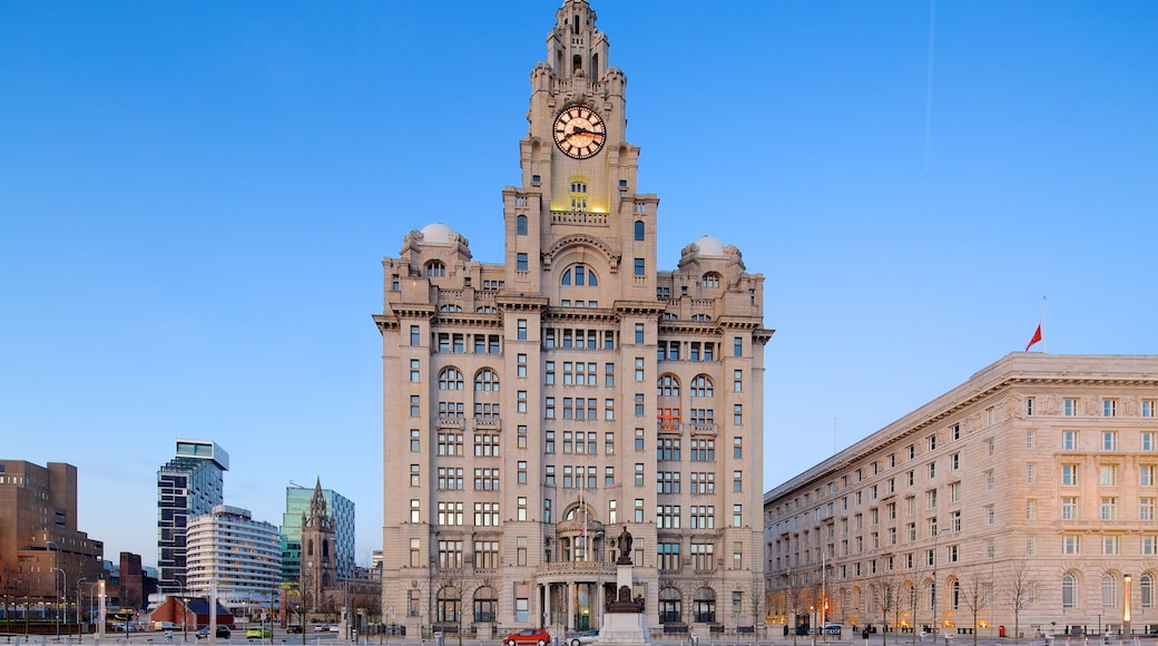 Royal Liver Building welches beinhaltet historische Architektur