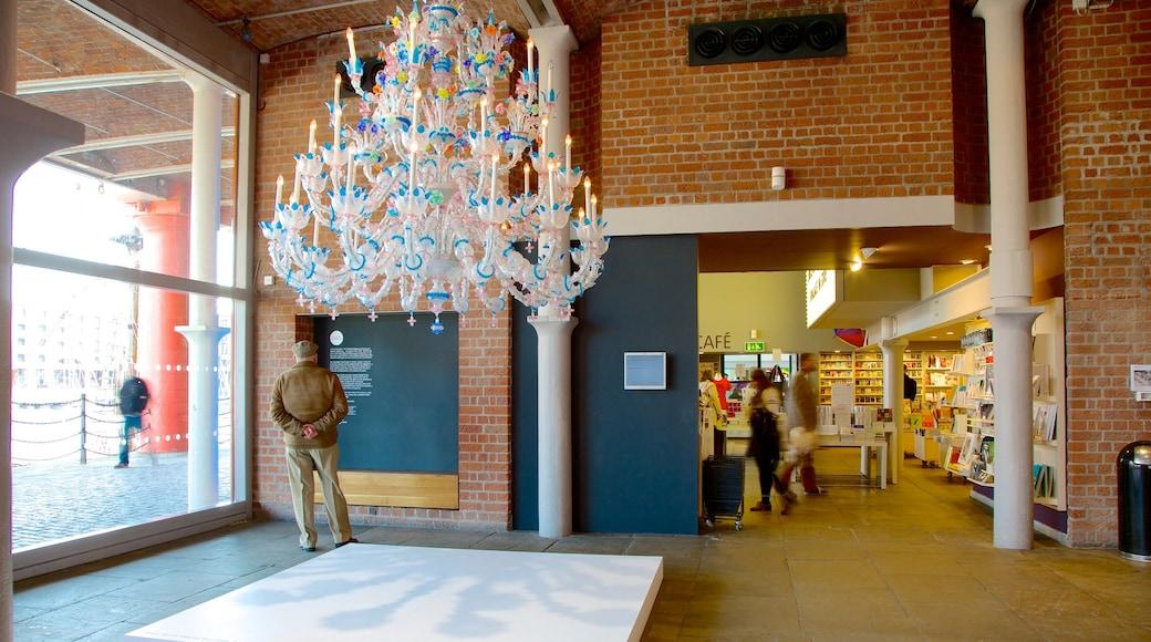 Tate Liverpool fasiliteter samt innendørs og kunst