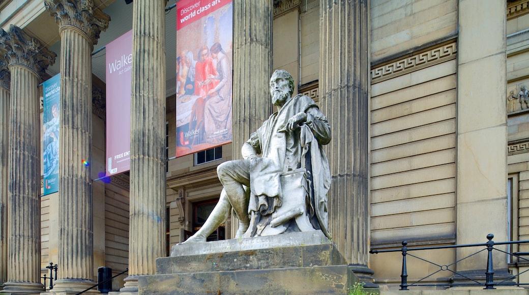 Walker Art Gallery fasiliteter samt statue eller skulptur