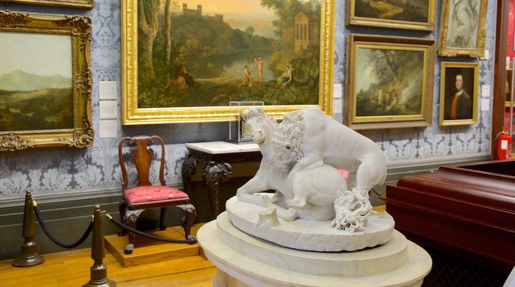 Walker Art Gallery som inkluderer innendørs og statue eller skulptur