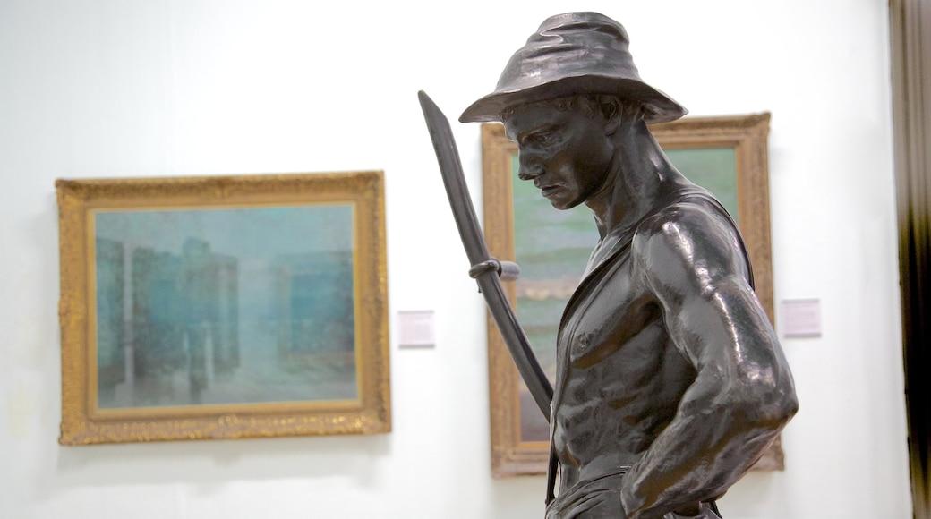 Walker Art Gallery som inkluderer statue eller skulptur og innendørs